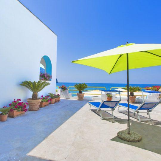 http://www.hotelcavadellisola.it/wp-content/uploads/2016/03/91A1221-Copia-540x540.jpg
