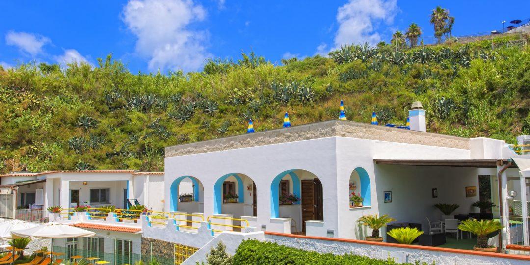http://www.hotelcavadellisola.it/wp-content/uploads/2016/03/91A1419-Copia-1080x540.jpg
