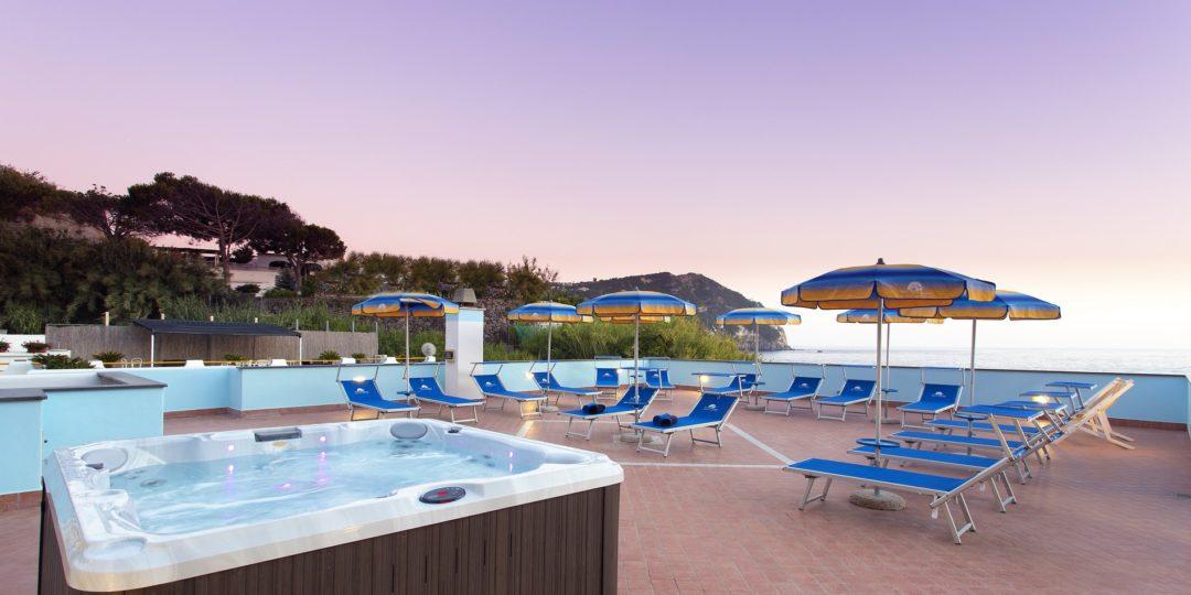 http://www.hotelcavadellisola.it/wp-content/uploads/2016/03/91A2822-Copia-1080x540.jpg