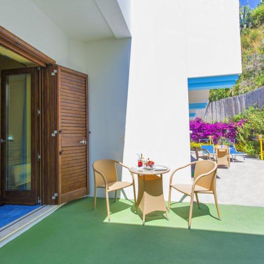 http://www.hotelcavadellisola.it/wp-content/uploads/2016/07/91A1226-Copia-540x540.jpg