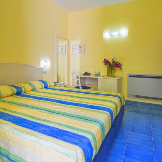 http://www.hotelcavadellisola.it/wp-content/uploads/2016/07/91A1245-Copia-540x540.jpg