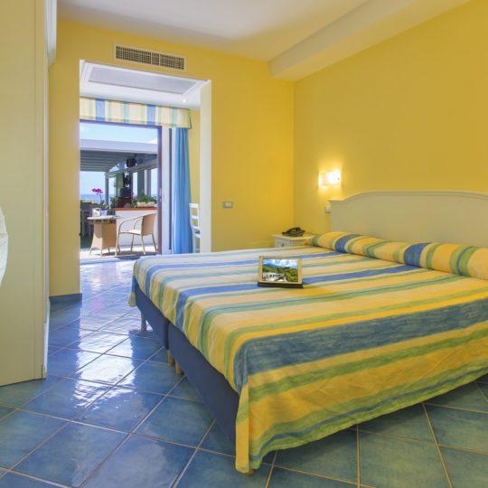 http://www.hotelcavadellisola.it/wp-content/uploads/2016/07/confort2-Copia-540x540.jpg