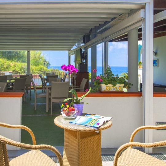 http://www.hotelcavadellisola.it/wp-content/uploads/2016/07/confort3-Copia-540x540.jpg