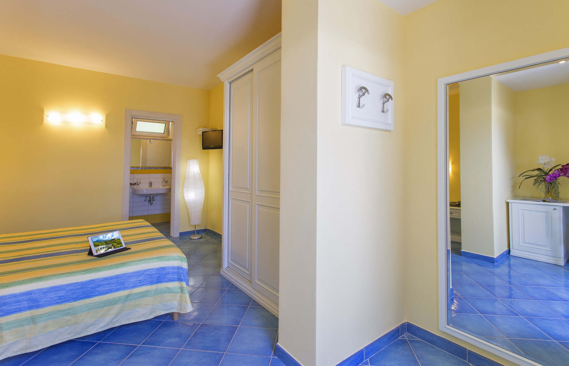 http://www.hotelcavadellisola.it/wp-content/uploads/2016/07/confort5-Copia-1.jpg